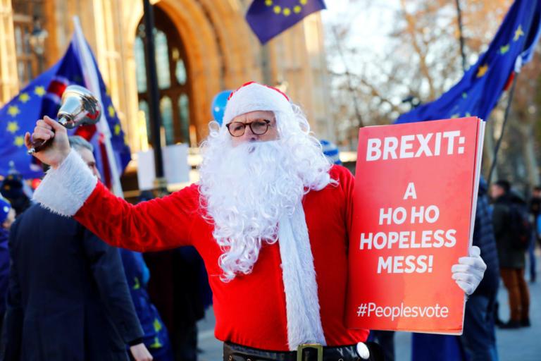 Brexit: Κατατέθηκε η πρόταση μομφής κατά της Τερέζα Μέι – Απόψε η ψηφοφορία