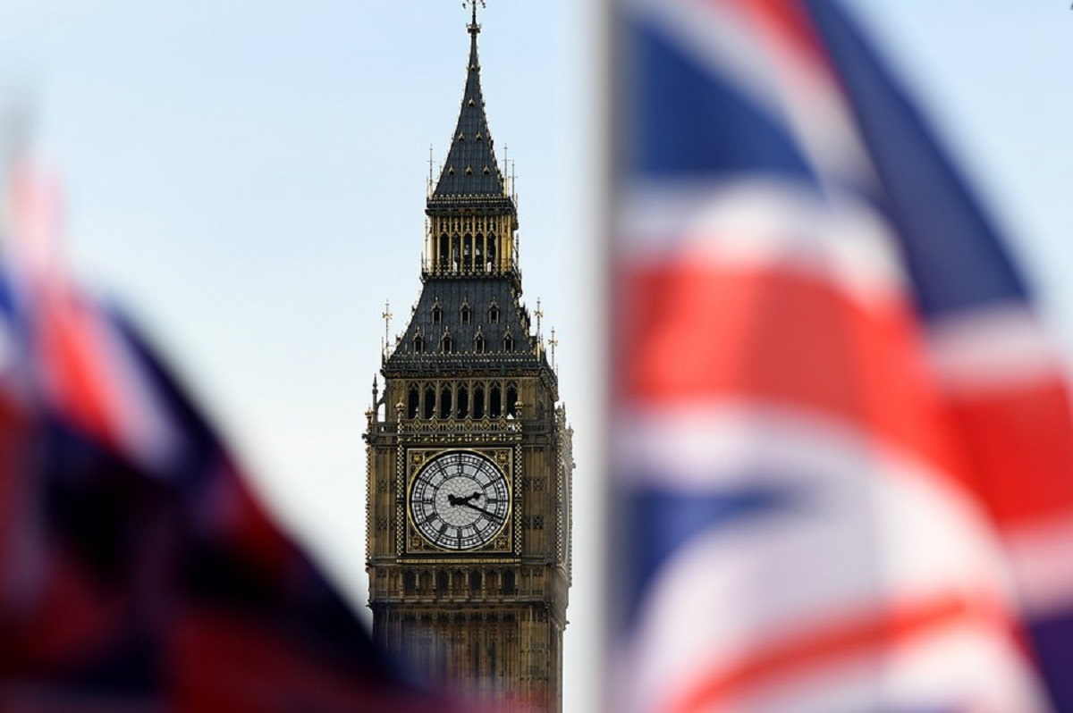 """Τέλος η """"χρυσή βίζα"""" στην Βρετανία λόγω ξεπλύματος """"μαύρου"""" χρήματος!"""