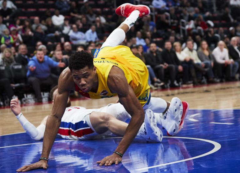 """""""Ισοπέδωσε"""" τους Πίστονς ο Αντετοκούνμπο! Τα αποτελέσματα του NBA – video"""