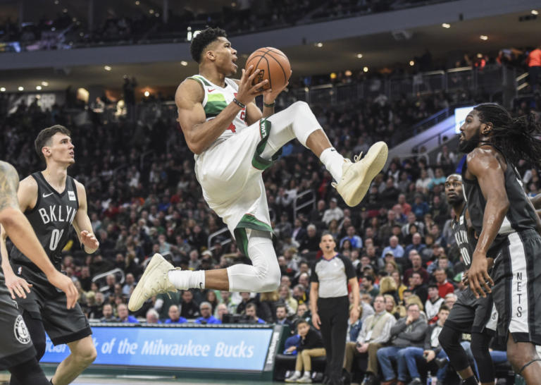 """""""Τρένο"""" οι Μπακς με σούπερ Αντετοκούνμπο! Τα αποτελέσματα του NBA – video"""