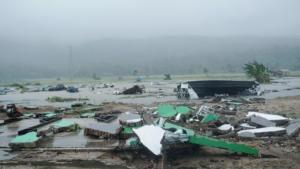 Τσουνάμι Ινδονησία – Σοκάρουν οι περιγραφές των επιζώντων: «Κόσμος άρχισε να φωνάζει»