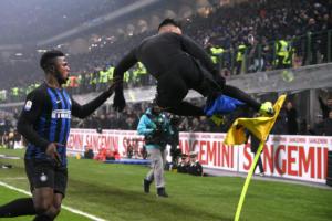 """Τιμωρήθηκε η Ίντερ για το ματς με τη Νάπολι! """"Κλείνει"""" το Μεάτσα στη Serie A"""