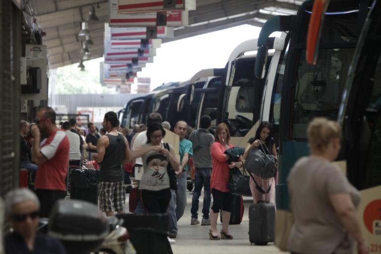 Θεσσαλονίκη: Δεν πέφτει καρφίτσα στα λεωφορεία των ΚΤΕΛ – Τα δρομολόγια των Χριστουγέννων!