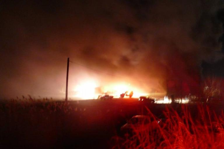 Συναγερμός στη Λάρισα! Φωτιά σε εργοστάσιο παιδικών επίπλων!
