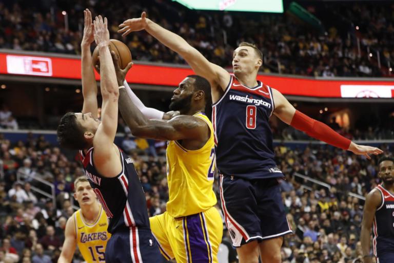 """""""Μπλόκο"""" στον """"Βασιλιά"""" και… σφαλιάρα στους Λέικερς! Τα αποτελέσματα του NBA – videos"""