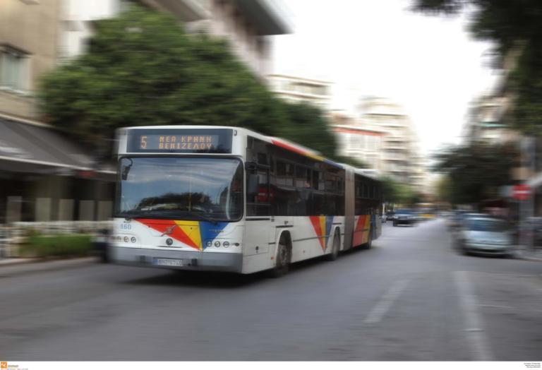 Θεσσαλονίκη: Λεωφορείο «θέρισε» οδηγό μηχανής – Σε κατάσταση σοκ οι επιβάτες μετά το τροχαίο δυστύχημα