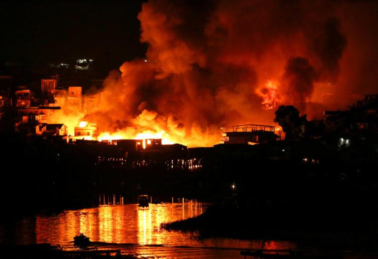 Χιλιάδες άνθρωποι έτρεχαν για να σωθούν από τις φλόγες! Πάνω από 2000 άτομα έμειναν χωρίς σπίτι!