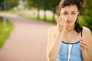 Κάτι μπήκε στο μάτι σας; Τα σωστά βήματα και τι να προσέξετε