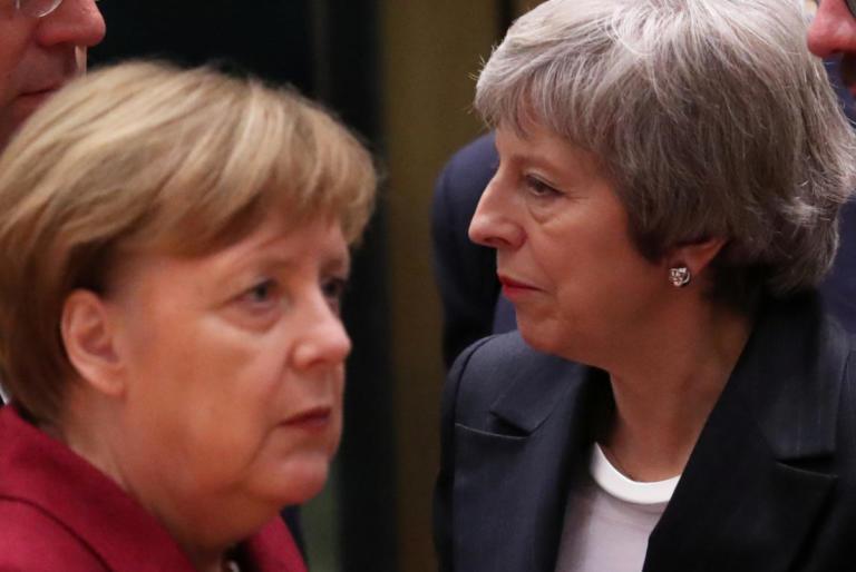«Φαρμάκι» η Μέρκελ για την Τερέζα Μέι – Ετοιμάζονται για Brexit χωρίς συμφωνία