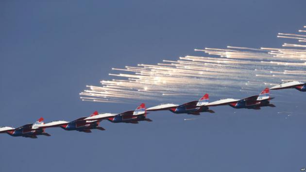 Οι Ρώσοι σχεδιάζουν μαχητικό αεροσκάφος πέμπτης γενιάς 50 ετών! [pics,vid]
