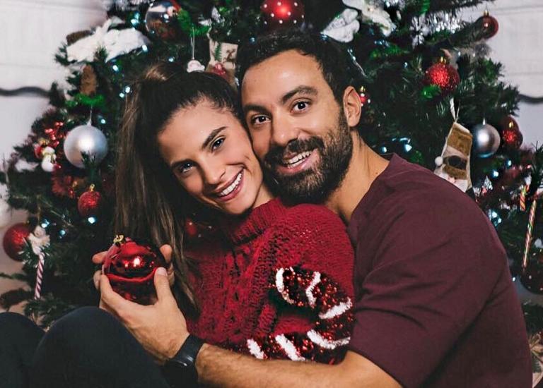 Σάκης Τανιμανίδης – Χριστίνα Μπόμπα: Τα πρώτα τους Χριστούγεννα ως παντρεμένοι! Το εντυπωσιακό δέντρο που στόλισαν μαζί [pics]