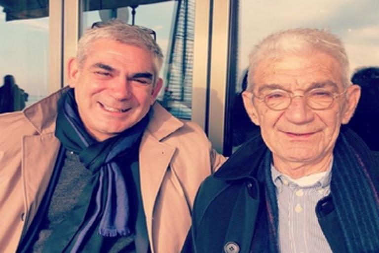 """Θεσσαλονίκη: Η χαλαρή βόλτα του Γιάννη Μπουτάρη με τον γιο του – Ποιος είναι ο διάδοχος της """"αυτοκρατορίας"""" [pics]"""
