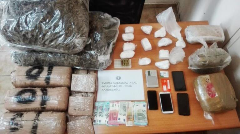 """""""Γέμιζαν"""" ναρκωτικά την Αττική – Τρεις συλλήψεις στην Νέα Χαλκηδόνα [pic]"""