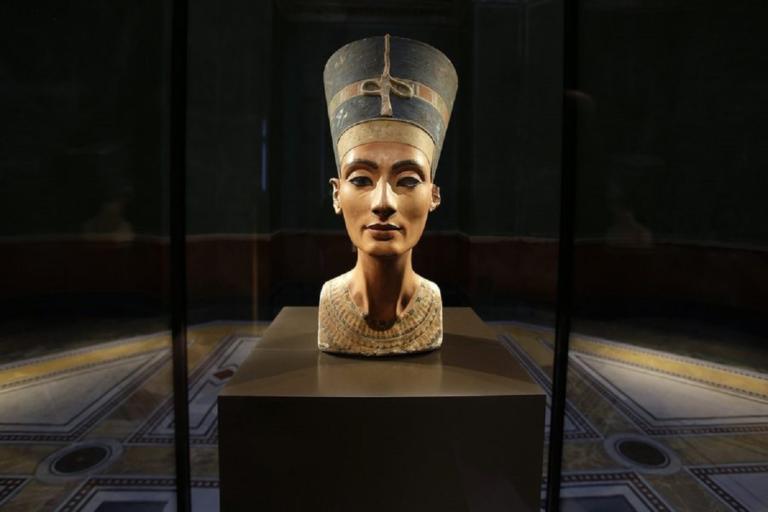 """Αίγυπτος: Επανέρχεται το αίτημα για """"επιστροφή"""" της Νεφερτίτης από τη Γερμανία"""