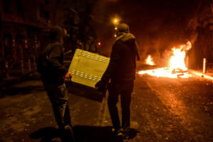 Επέτειος Γρηγορόπουλου: Οδοφράγματα και φωτιές στα Εξάρχεια! [pics]