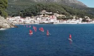 Πάργα: Η θάλασσα γέμισε Άγιους Βασίληδες – Εικόνες… Αυστραλίας μπροστά στα μάτια μικρών και μεγάλων – video