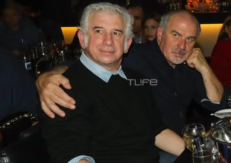 Πέτρος Φιλιππίδης: Σπάνια βραδινή έξοδος για να απολαύσει τον κολλητό του, Παύλο Χαϊκάλη! [pics]