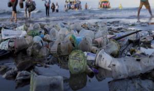 Μεσόγειος από… πλαστικό! Σοκαριστικά στοιχεία για την θαλάσσια ρύπανση και συναγερμός!