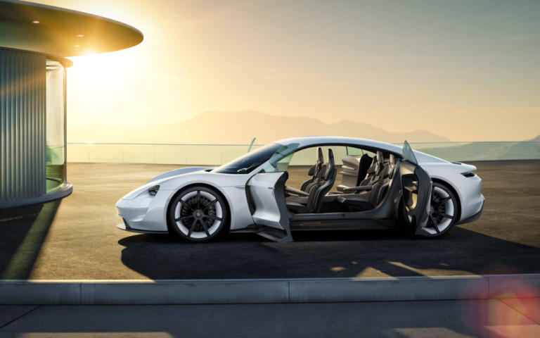 H Porsche Taycan θα λέγεται και… «Turbo»!