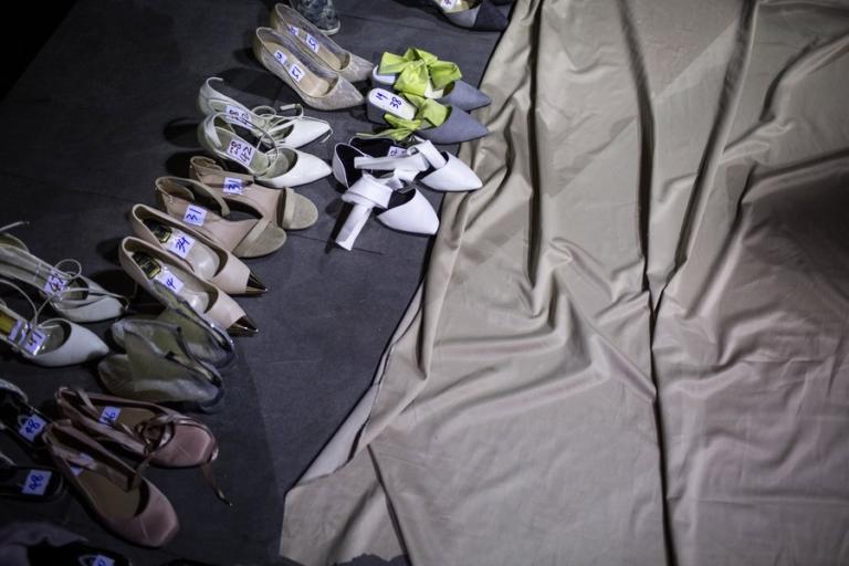 """500.000 παπούτσια Converse  και VANS """"μαϊμού"""" κατέστρεψαν στην Κίνα"""