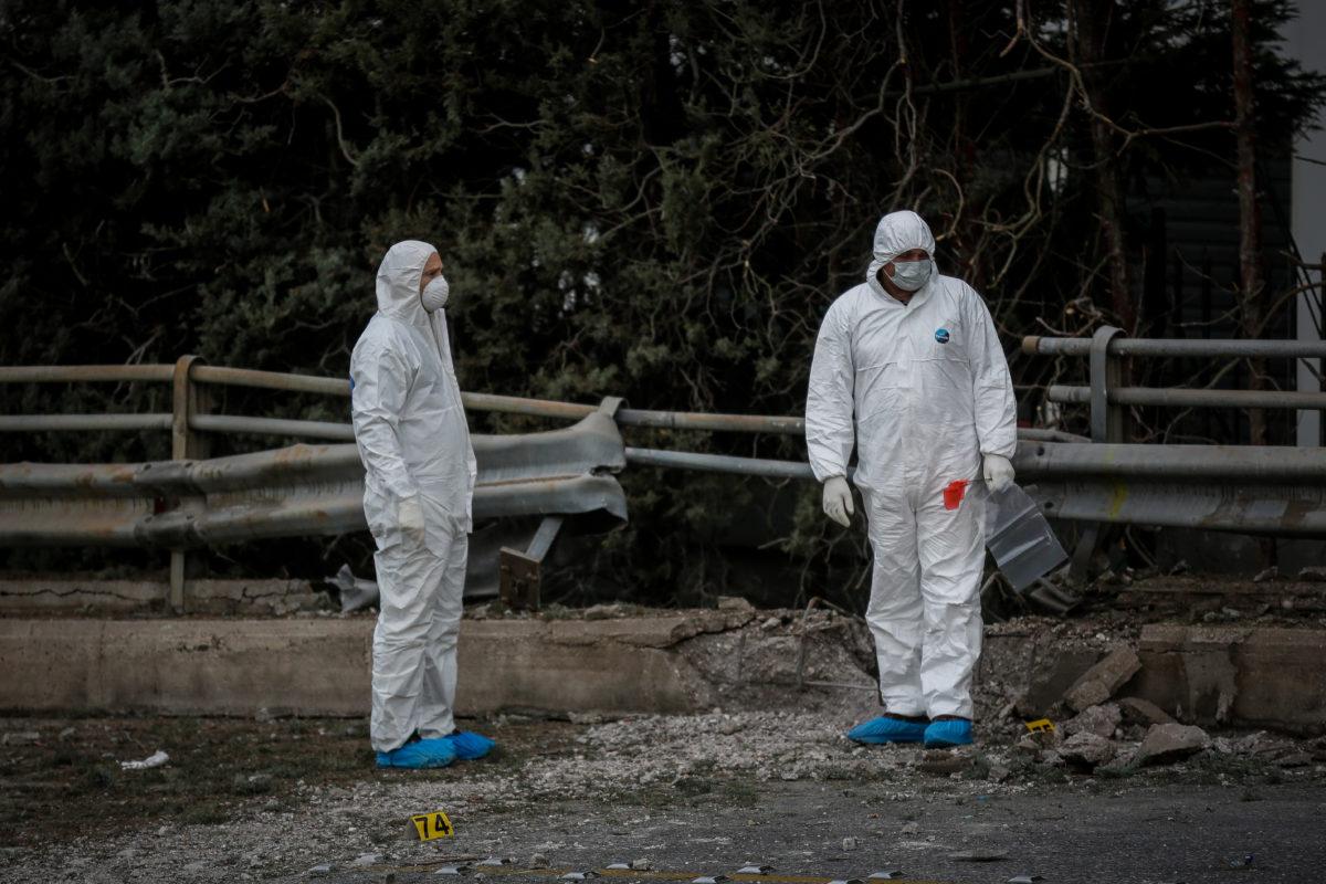 Έκρηξη στον ΣΚΑΙ: Κόπηκε μασίφ σίδερο από την ισχύ της βόμβας! Εικόνες ντοκουμέντο