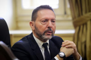 Γιάννης Στουρνάρας: Γελοία fake news για τη Novartis