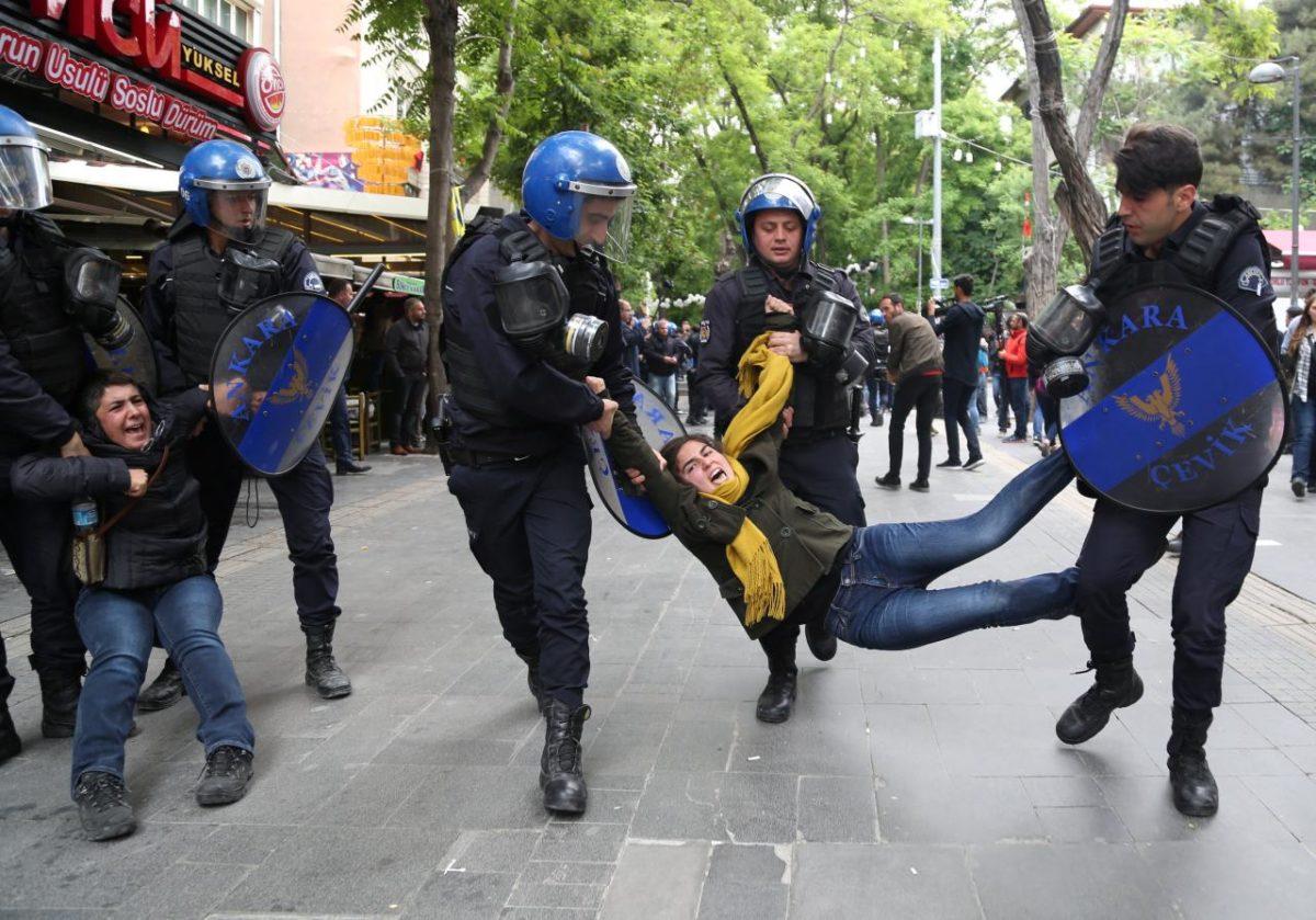 Τουρκία: Η Δημοκρατία… στα καλύτερά της – Σχεδόν 2.000 καταδίκες σε ισόβια μετά το πραξικόπημα