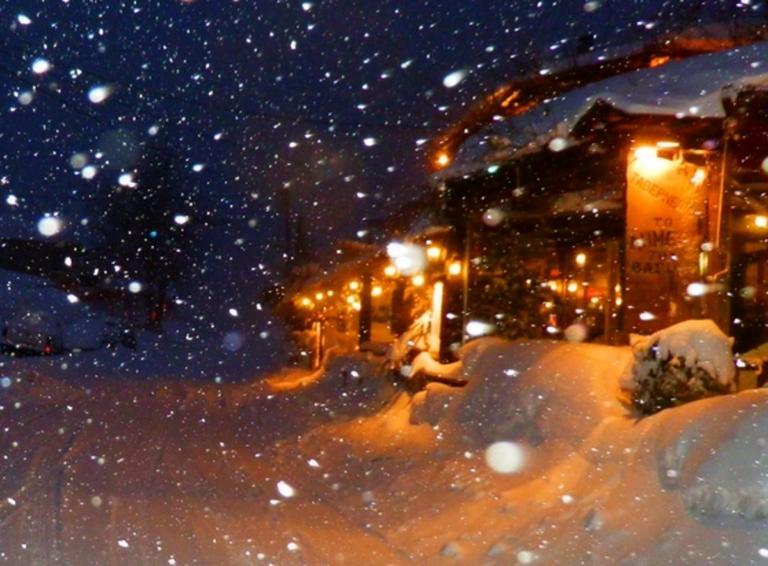 Καιρός: Ονειρικά Χριστούγεννα στα χιόνια – Η βροχή σταμάτησε και το σκηνικό έγινε γρήγορα λευκό [pics]