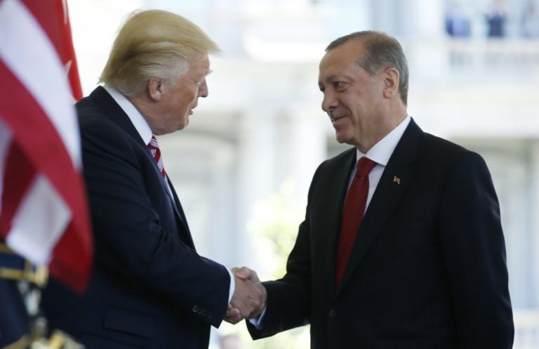 Τραμπ: Δεν ενημέρωσε Ερντογάν για την αποχώρηση αμερικανικών στρατευμάτων από τη Συρία