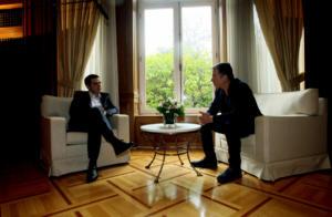 Μαξίμου: Να απαντήσει ο Θεοδωράκης αν άλλαξε στάση στο Σκοπιανό