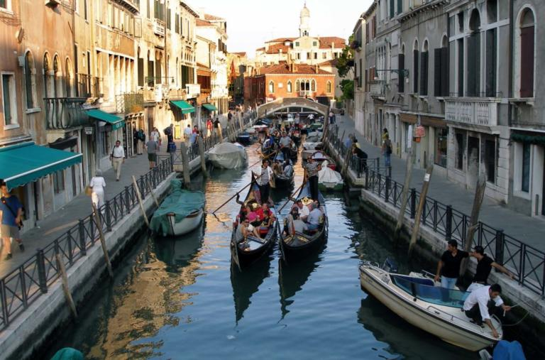 Ciao Βενετία! Επιβάλλεται εισιτήριο για όποιον θέλει να την επισκεφτεί