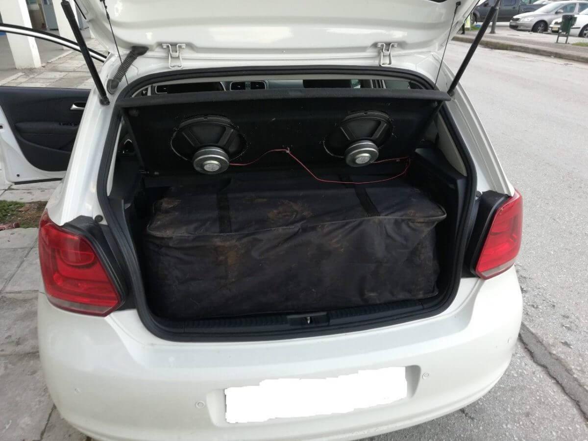 Θεσπρωτία: Κάτω από τα ηχεία ο ταξιδιωτικός σάκος με το περιεχόμενο έκπληξη – Τι βρέθηκε μέσα [pics]