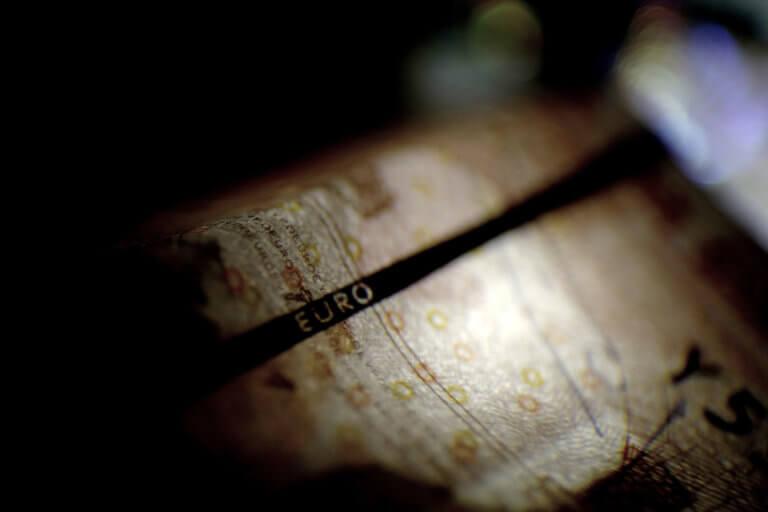 Προσοχή στα χαρτονομίσματα 20 και 50 ευρώ – Χιλιάδες είναι τα πλαστά | Newsit.gr