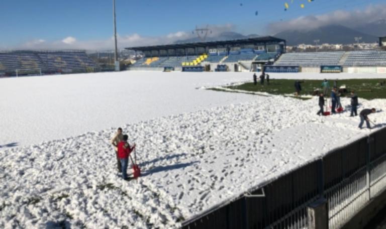 Αστέρας Τρίπολης – ΠΑΟΚ: Καθαρίζουν το χιόνι οι Αρκάδες – [pic]