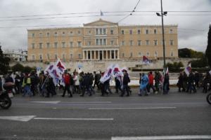 """Ανεργία: Περίπου 900.000 Έλληνες χωρίς δουλειά – Νέοι έως 24 ετών οι """"πρωταθλητές""""!"""