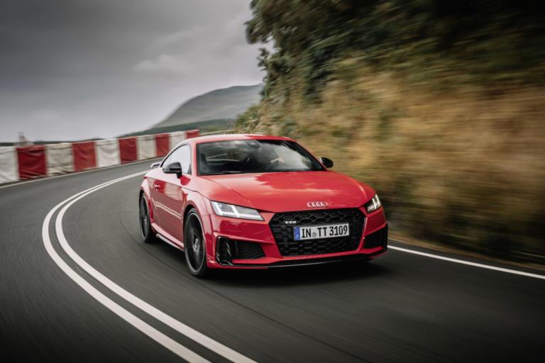 Ανανεωμένο Audi TTS με πιο επιθετικό σχεδιασμό