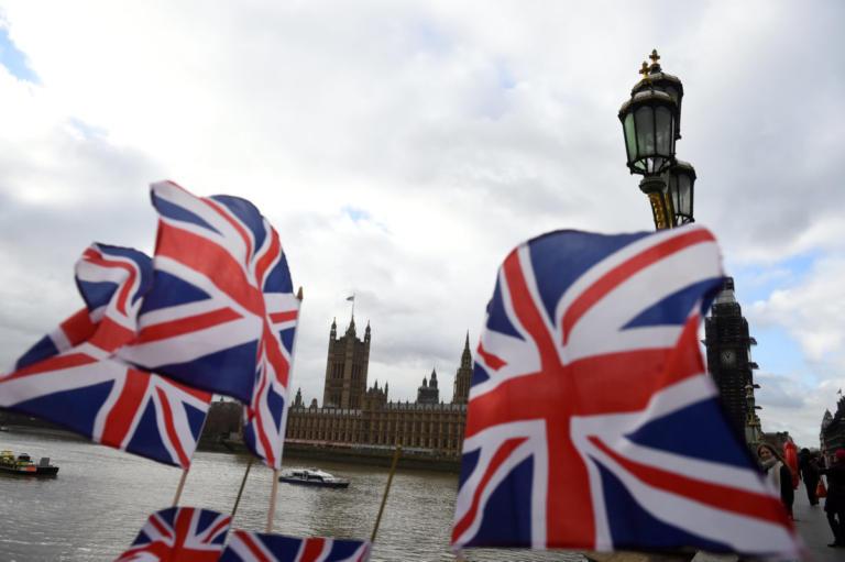 Brexit: Βουλευτής αναβάλλει την καισαρική της για να… ψηφίσει! | Newsit.gr