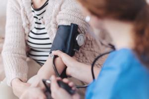 Ανθεκτική υπέρταση: Τι να κάνετε αν δεν πέφτει η πίεσή σας