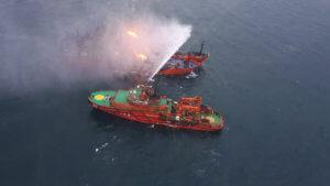Τραγωδία στην Κριμαία: 20 ναυτικοί θεωρούνται νεκροί μετά την έκρηξη σε δύο πλοία