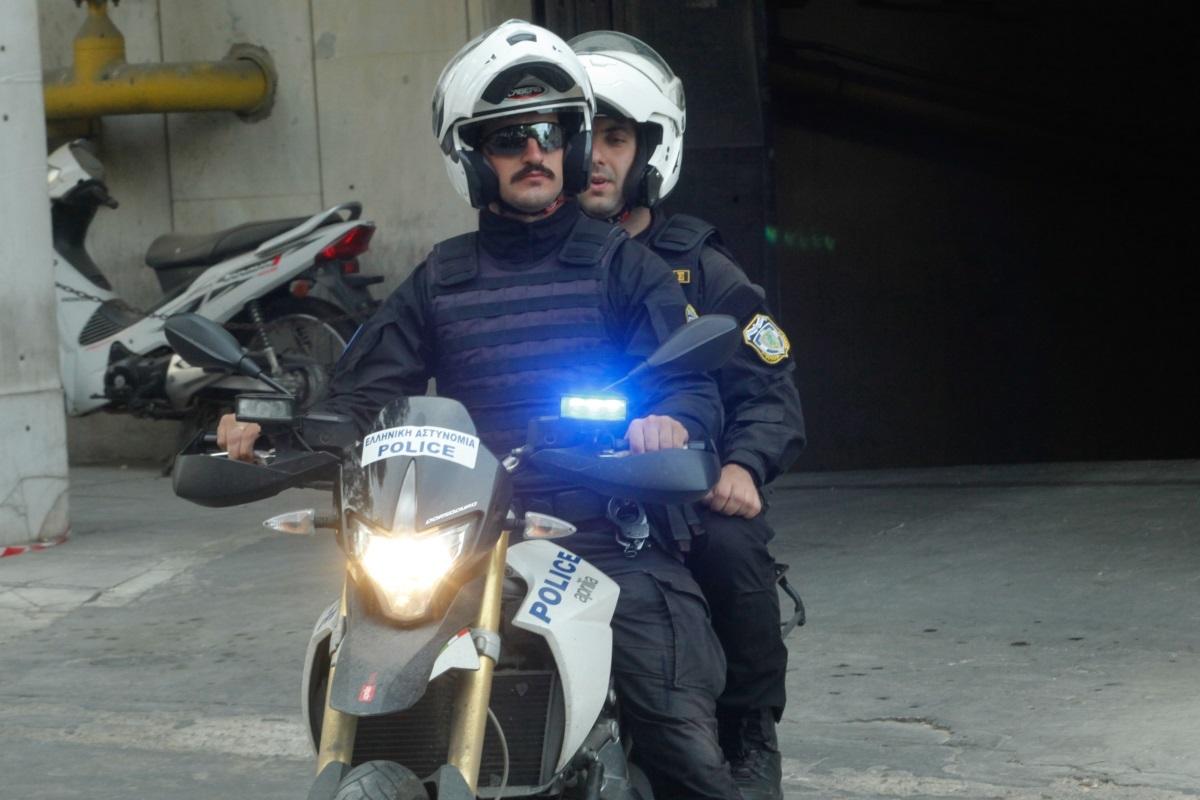 Μικροεπεισόδιο νεαρών με αστυνομικούς της ομάδας ΔΙΑΣ στα Εξάρχεια