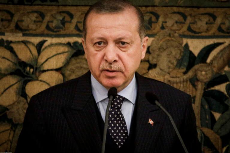 Απειλεί με άμεση εισβολή ανατολικά του Ευφράτη ο Ερντογάν | Newsit.gr