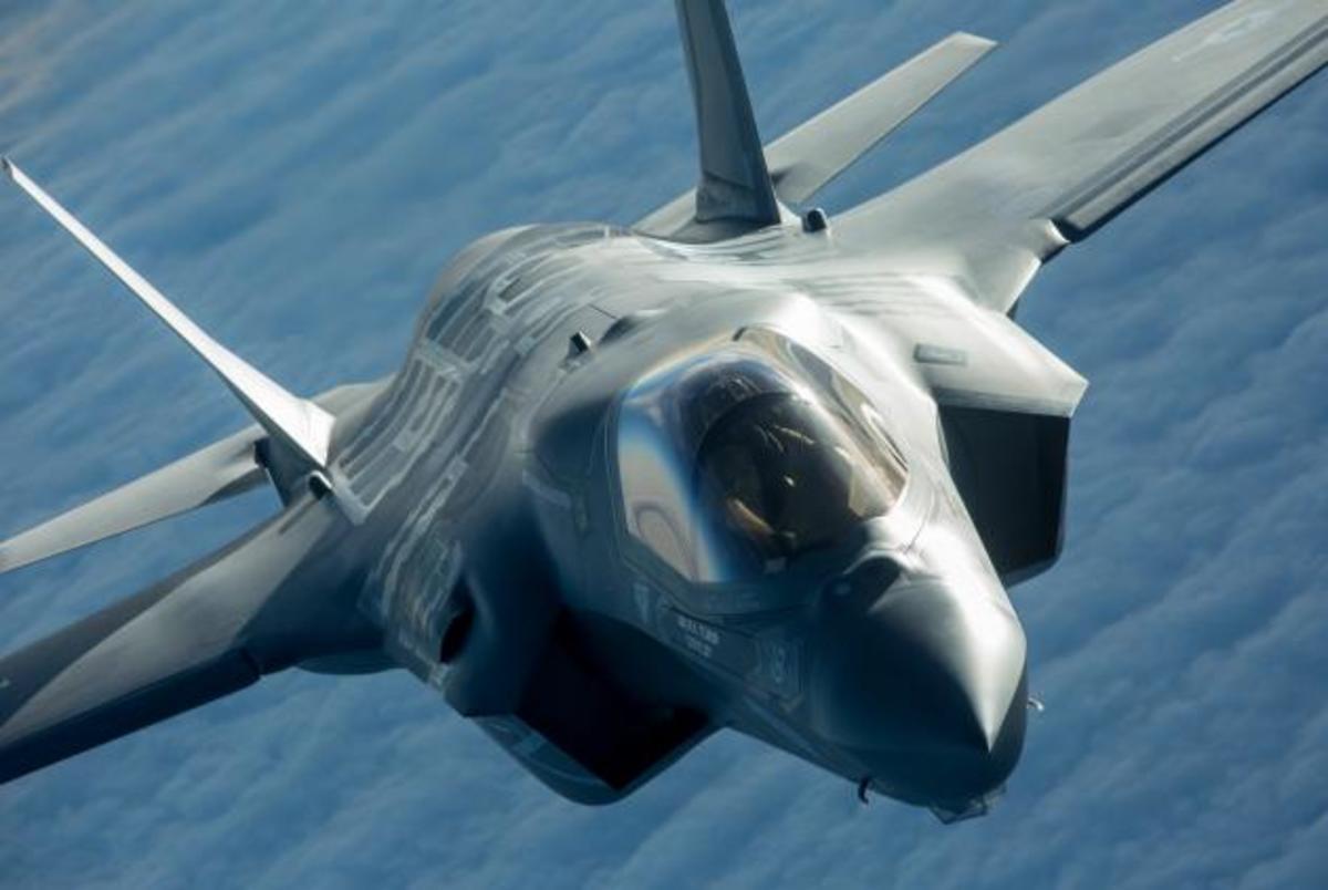 Η Σιγκαπούρη αποσύρει τα F-16 της και αγοράζει αμερικανικά F-35!