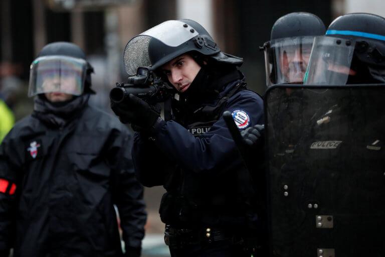 Κίτρινα γιλέκα: Τραυματίστηκε σοβαρά ηγετικό στέλεχος των διαδηλωτών | Newsit.gr