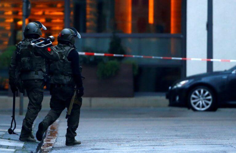 Γερμανία: 43χρονος αυτοπυρπολήθηκε μπροστά από δικαστήριο! | Newsit.gr