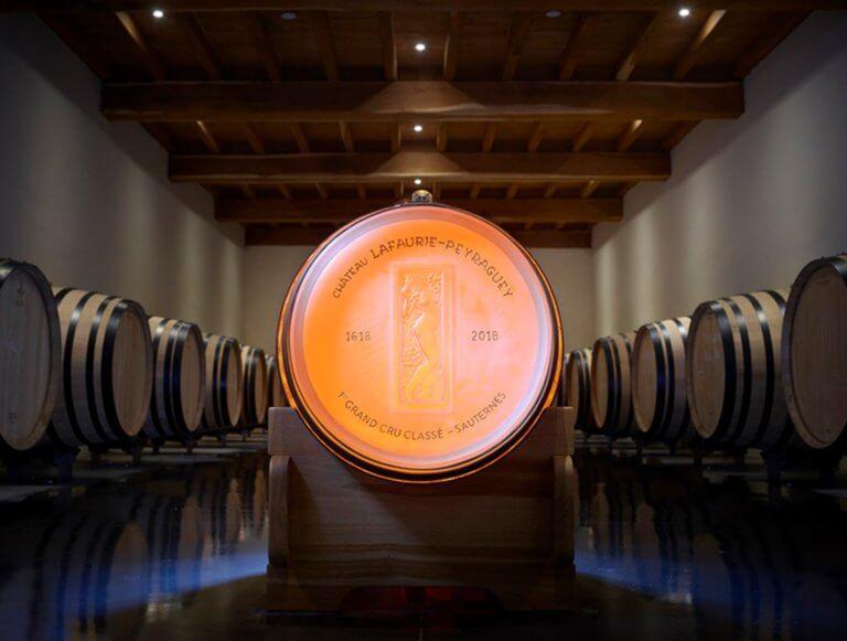 Το μοναδικό κρυστάλλινο βαρέλι στον κόσμο – Περιέχει γαλλικό κρασί 200 ετών