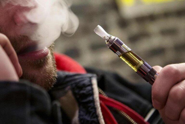 Ηλεκτρονικό τσιγάρο: Βοηθάει τους καπνιστές να το… κόψουν | Newsit.gr