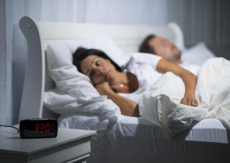 Αϋπνία: 10 επιστημονικά αποδεδειγμένοι τρόποι για να τη νικήσετε