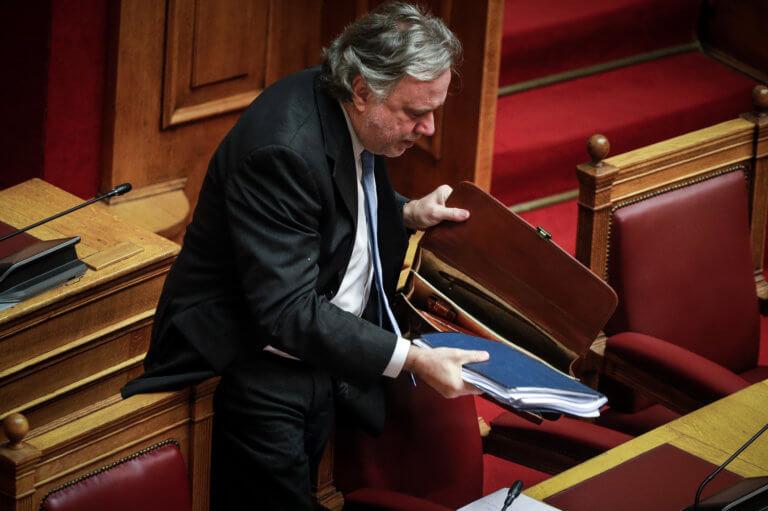 Κατατέθηκε το επίσημο κείμενο του Συντάγματος της ΠΓΔΜ από τον Κατρούγκαλο! | Newsit.gr