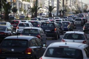 Κίνηση: Μπλοκαρισμένοι οι κεντρικοί δρόμοι