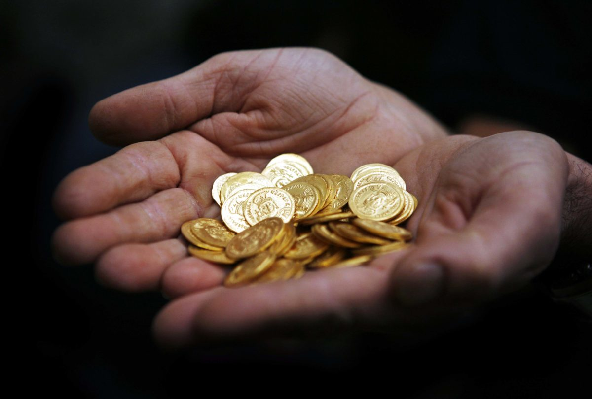 Πρέβεζα: Βούτηξαν μετρητά, χρυσαφικά και χρυσές λίρες – Γερή μπάζα σε ένα διήμερο
